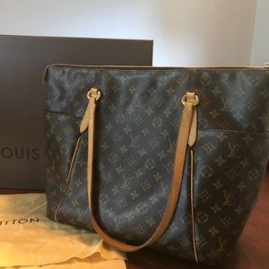 Louis Vuitton *Authentic* *Rare* Totally GM.